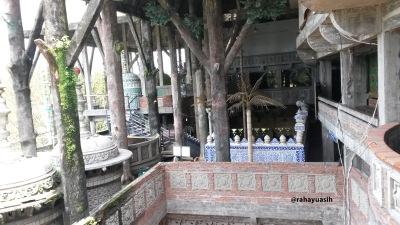 Pembangunan masjid yang urung rampung