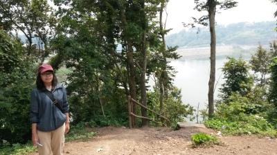 Pemandangan (atas) Goa Kreo