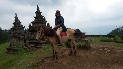 Berkuda Mengelilingi Candi Gedong Songo